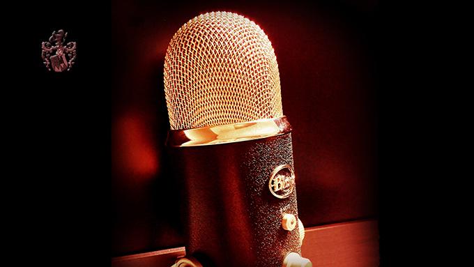 Podcast Kapitalanlage Geldanlage Pflegeheim Geld anlegen Mikrofon
