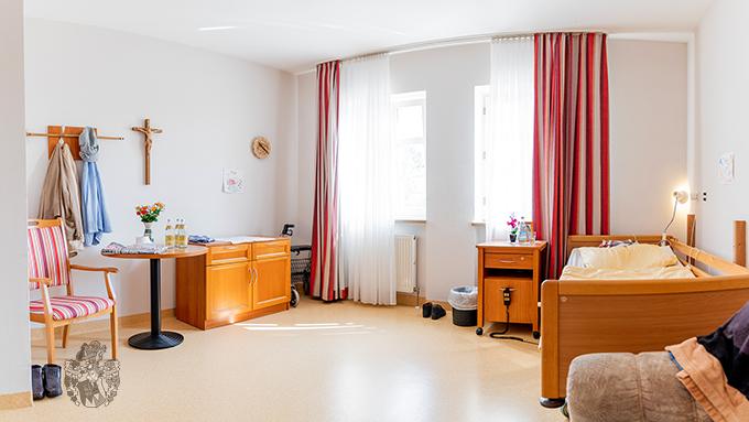 Seniorenpflegeheim Fellheim Zimmer Room Real Estate